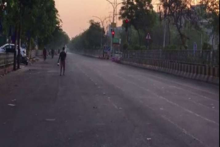 Noida witnesses empty roads, low footfall due to