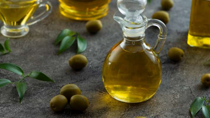 India Tv - Olive Oil helps in increased uric acid problem
