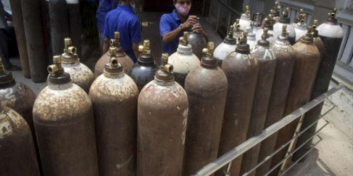 UP businessman Manoj Gupta refills oxygen cylinders at Re 1 | India News –  India TV