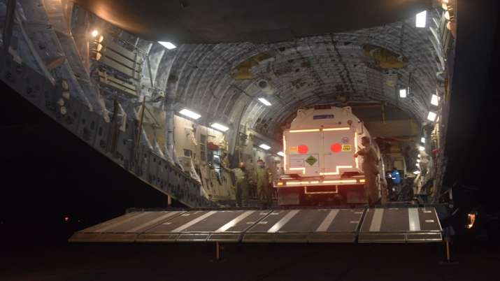 C-17 and IL-76 aircraft airlifted cryogenic oxygen