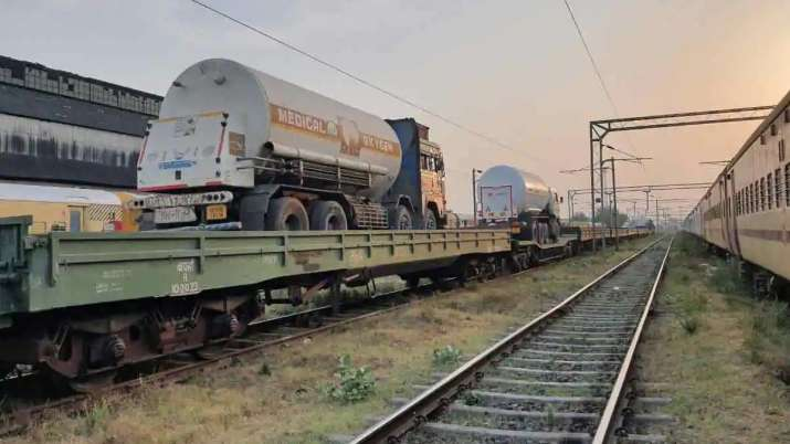 oxygen express reaches Delhi from Chhattisgarh