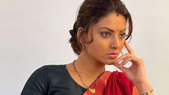 Urvashi Rautela latest de-glam avatar breaks the internet