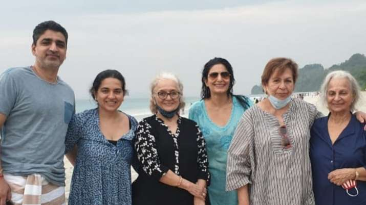 After Dance Deewane 3 Waheeda Rehman, Helen, Asha Parekh enjoy vacation in Andaman; see pic