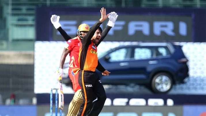 India Tv - Rashid Khan dismissed Chris Gayle for the second time in IPL