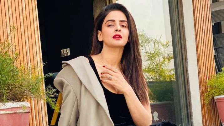 Hindi Medium actress Saba Qamar calls off wedding with fiance Azeem Khan