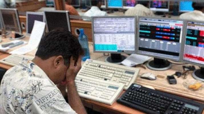 Sensex, sensex crashes, HDFC, business news, updates of business news, market updates on friday even