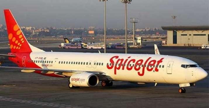 SpiceJet Riyadh-Lucknow flight's windshield cracks mid-air