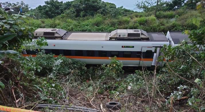 51 dead after train derails in eastern Taiwan