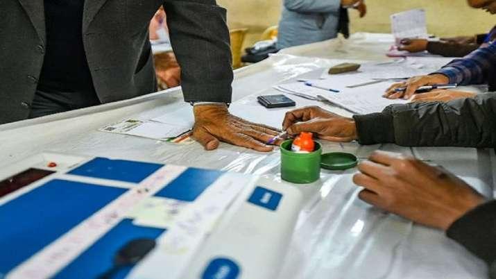 Hyderabad, Polling, Telangana, Nagarjunasagar Assembly bypoll, Nomula Narasmhaiah, Nalgonda, voting