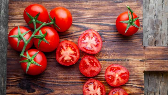 India Tv - Tomato helps in increased uric acid problem