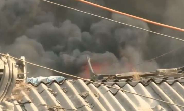 Mumbai: Major fire breaks out in Kurla scrap market