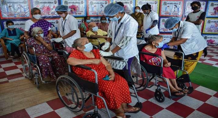 maharashtra vaccination, maharashtra vaccine doses,maharashtra vaccine stock, maharashtra health min