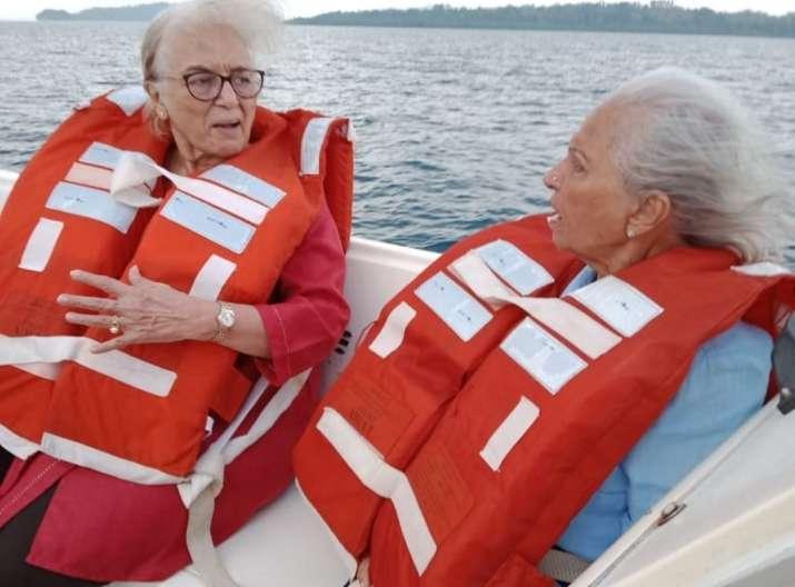 India Tv - Waheeda Rehman, Asha Parekh and Helen recreate Dil Chahta Hai moments in latest pics from Andaman