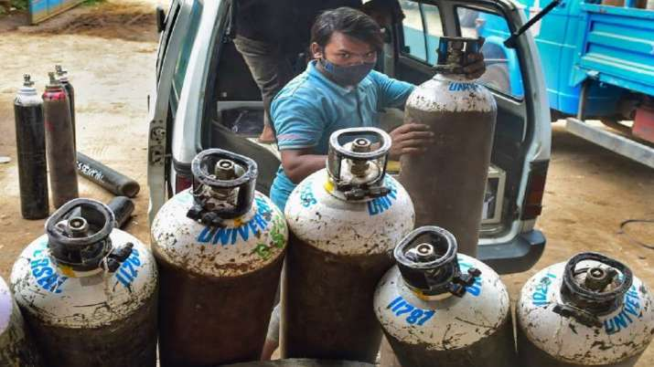 oxygen cylinders, cylinder seized, Madhya Pradesh, coronavirus pandemic, covid updates, rewa, satna,