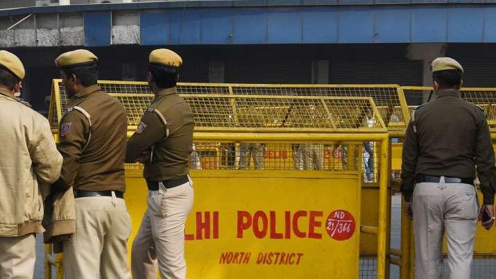 Delhi doctor commits suicide in Malviya Nagar.