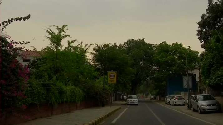 Delhi experience change in weather.