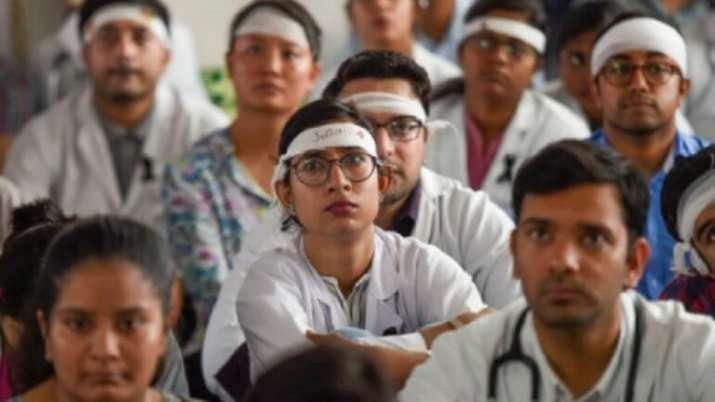 Junior doctors, government hospitals, doctors strike, Madhya Pradesh, coronavirus pandemic, covid se