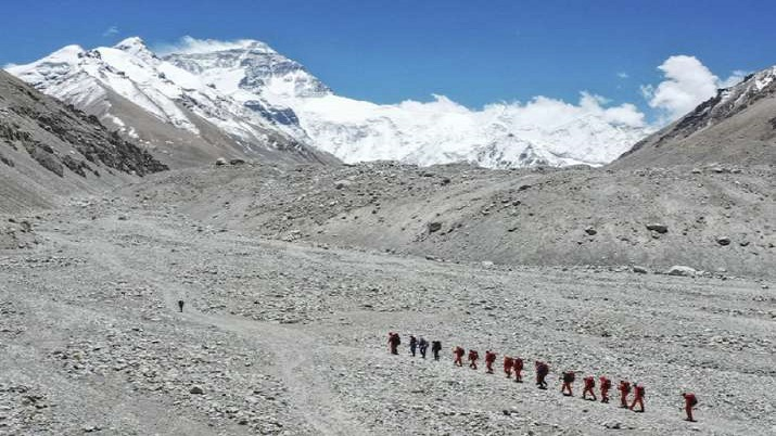Climbing guide says at least 100 coronavirus cases on Mount Everest