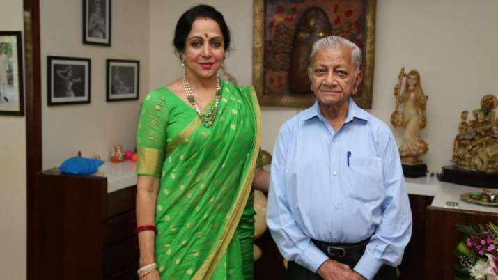 Hema Malini mourns demise of her secretary: A void that cannot be filled