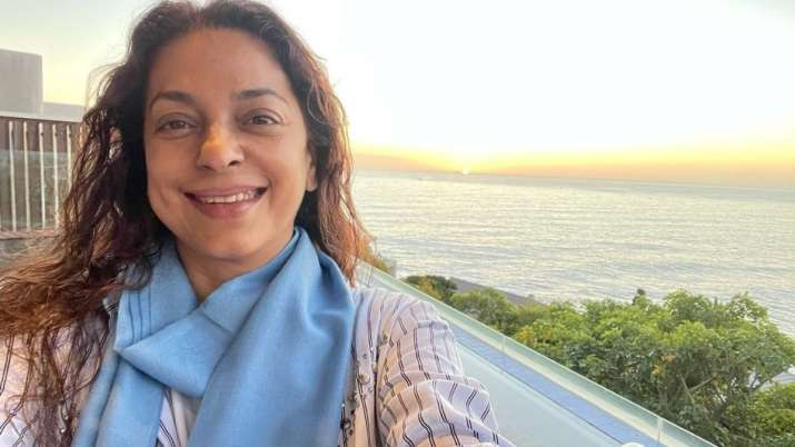 Juhi Chawla defines 'peace' with mesmerising picture of setting sun