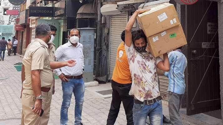 khan market raid, oxygen concentrators