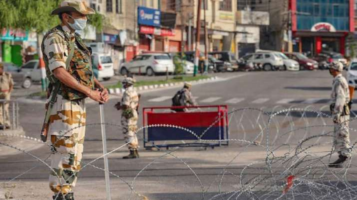 'Corona curfew' extended in Jammu and Kashmir till May 31