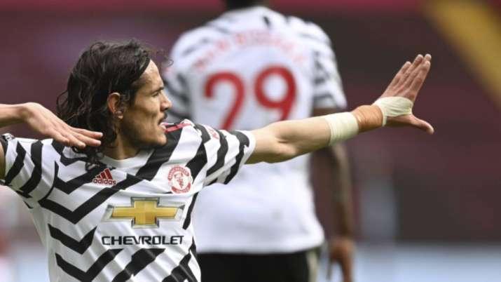 Manchester United's Edinson Cavani celebrates after scoring