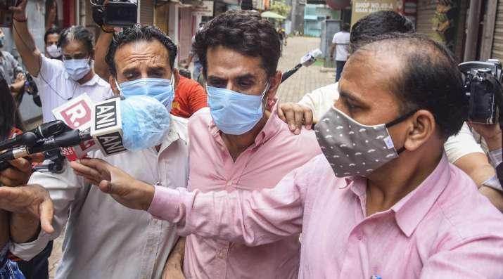 Delhi Polices Crime Branch brings Navneet Kalra for