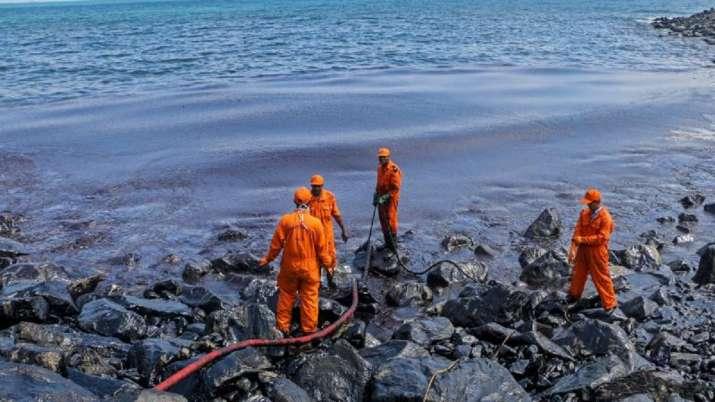 Oil leak, oil leakage spotted, cyclone taukate, barge off, Palghar coast, Maharashtra, cyclone taukt