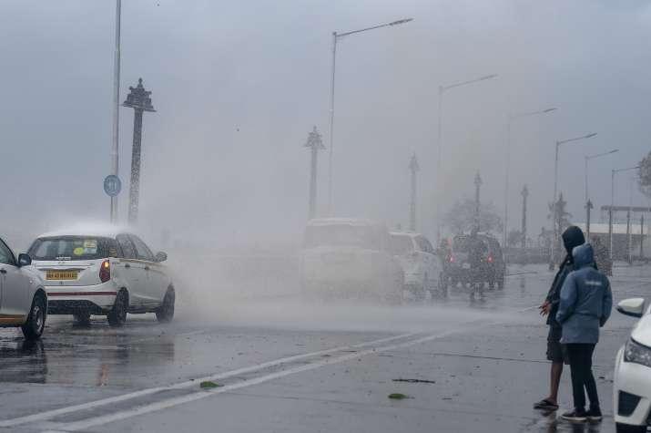 PTI PHOTO/MUMBAI