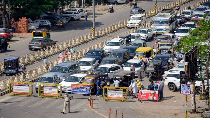 Punjab Police installed barricades to stop commuters during