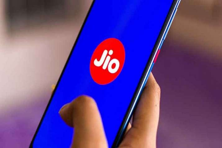 Reliance Jio offers 300 minutes free talk time for JioPhone