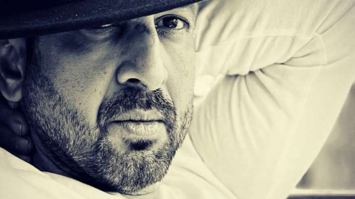 Ronit Roy shares cryptic tweet, says 'Hard to stay real when you see fake doing so well'