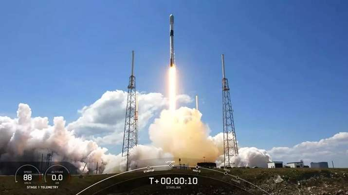 SpaceX launches 60 Starlink satellites in record 10th