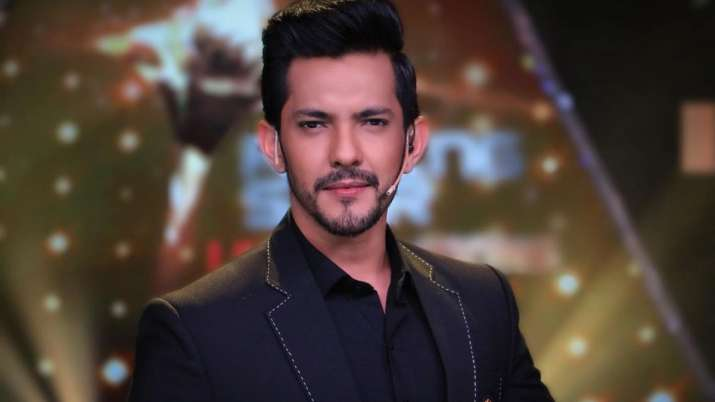 Indian Idol 12's Aditya Narayan sends the internet in a meltdown with his childhood photos