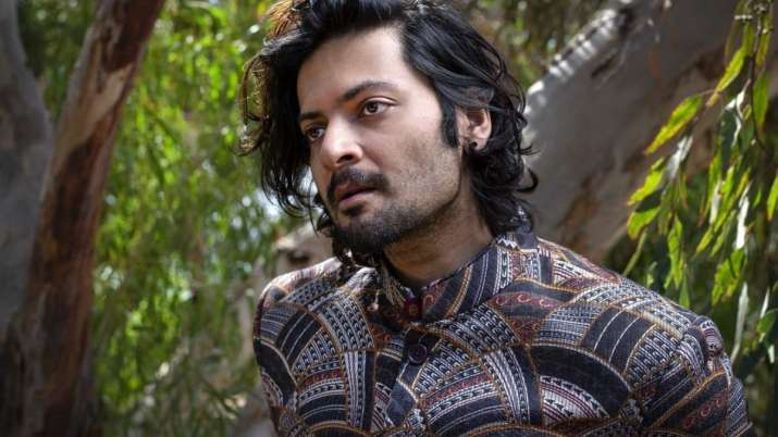 COVID-19: Ali Fazal will conduct mental health sessions with medical experts