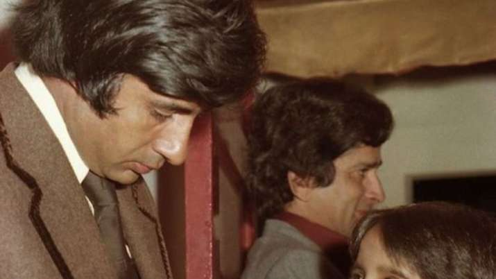 Amitabh Bachchan recalls meeting fans, shares million-dollar throwback picture from 'Kala Patthar' p