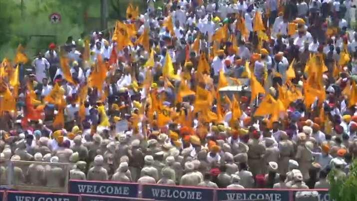 sukhbir singh badal detained