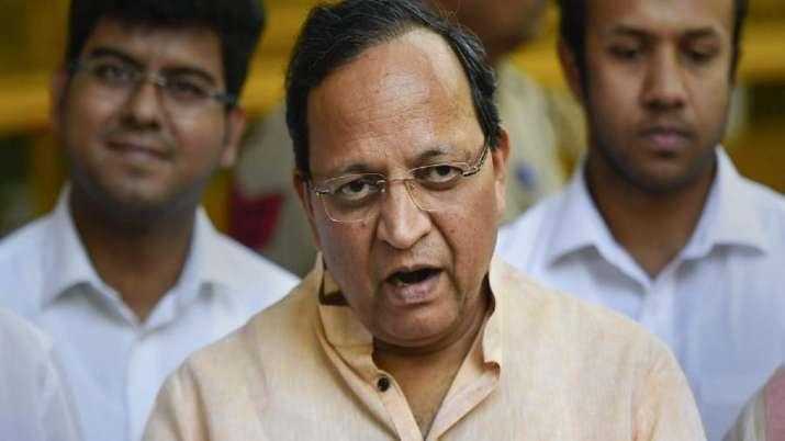 Karnataka BJP in charge, Arun Singh, starts meeting, MLAs, leadership change, issue lingers, politic