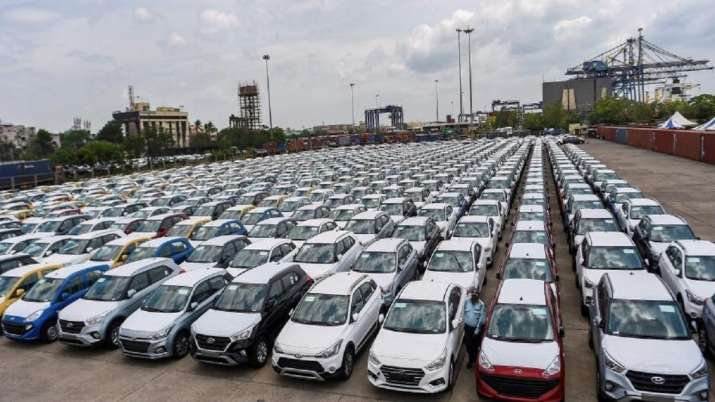 Auto retail sales drop 55% in May as COVID puts break on