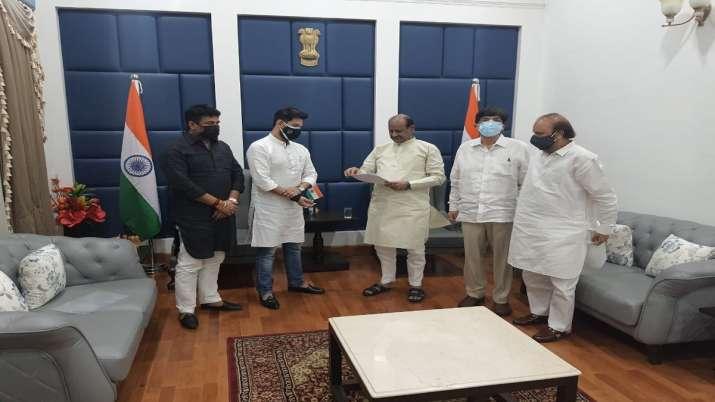 Chirag Paswan with other LJP leaders met Om Birla in New