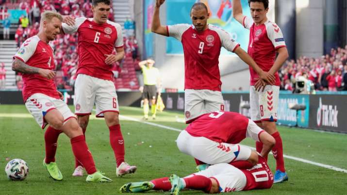 Euro 2020: Denmark's Christian Eriksen collapses during game against  Finland; match suspended | Football News – India TV