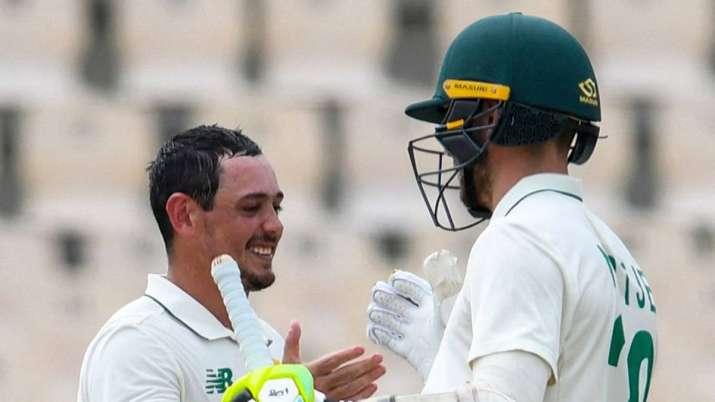 Quinton deKock'sunbeaten 141 guided South Africa to 322
