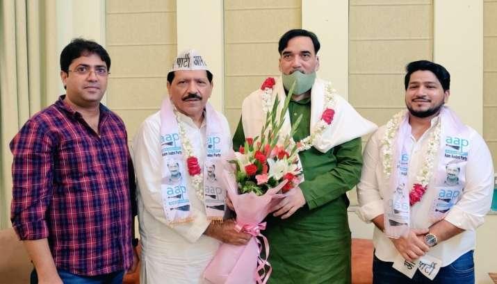 haji meherbaan joins AAP