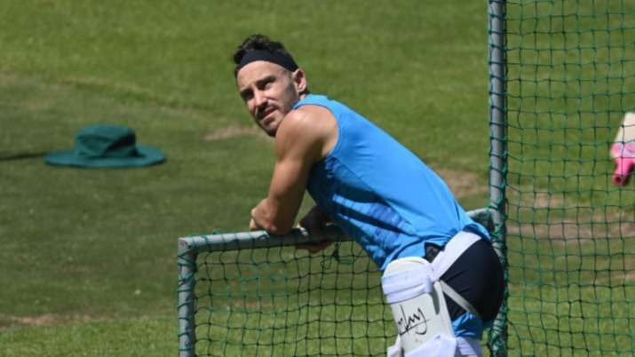 'Have concussion with some memory loss but I will be fine': Faf du Plessis tweets after on-field col
