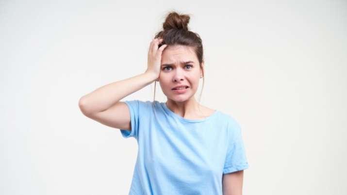 درمان غیر جراحی رشد مو در زنانی که به دلیل PCOS دچار مشکل ریزش مو شده اند چگونه مفید است؟