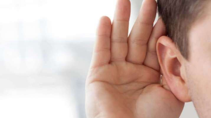 Headphones, earbuds may affect hearing in children