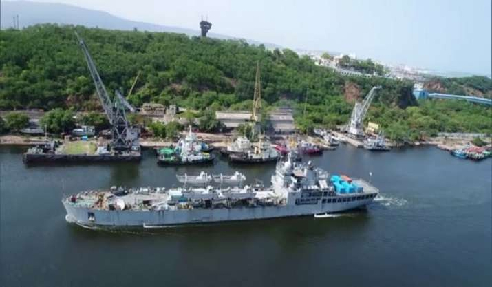 INS Airavat arrives at Visakhapatnam with 158 MT of oxygen,