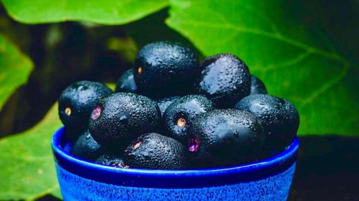 India Tv - Side Effects of Jamun: These people should not consume Java Plum. Know why