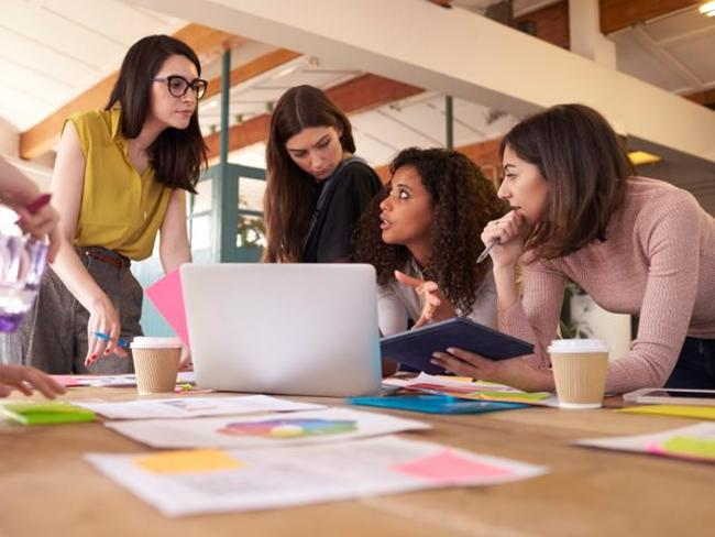 Women comprise 41 per cent of the supply chain workforce globally in 2021